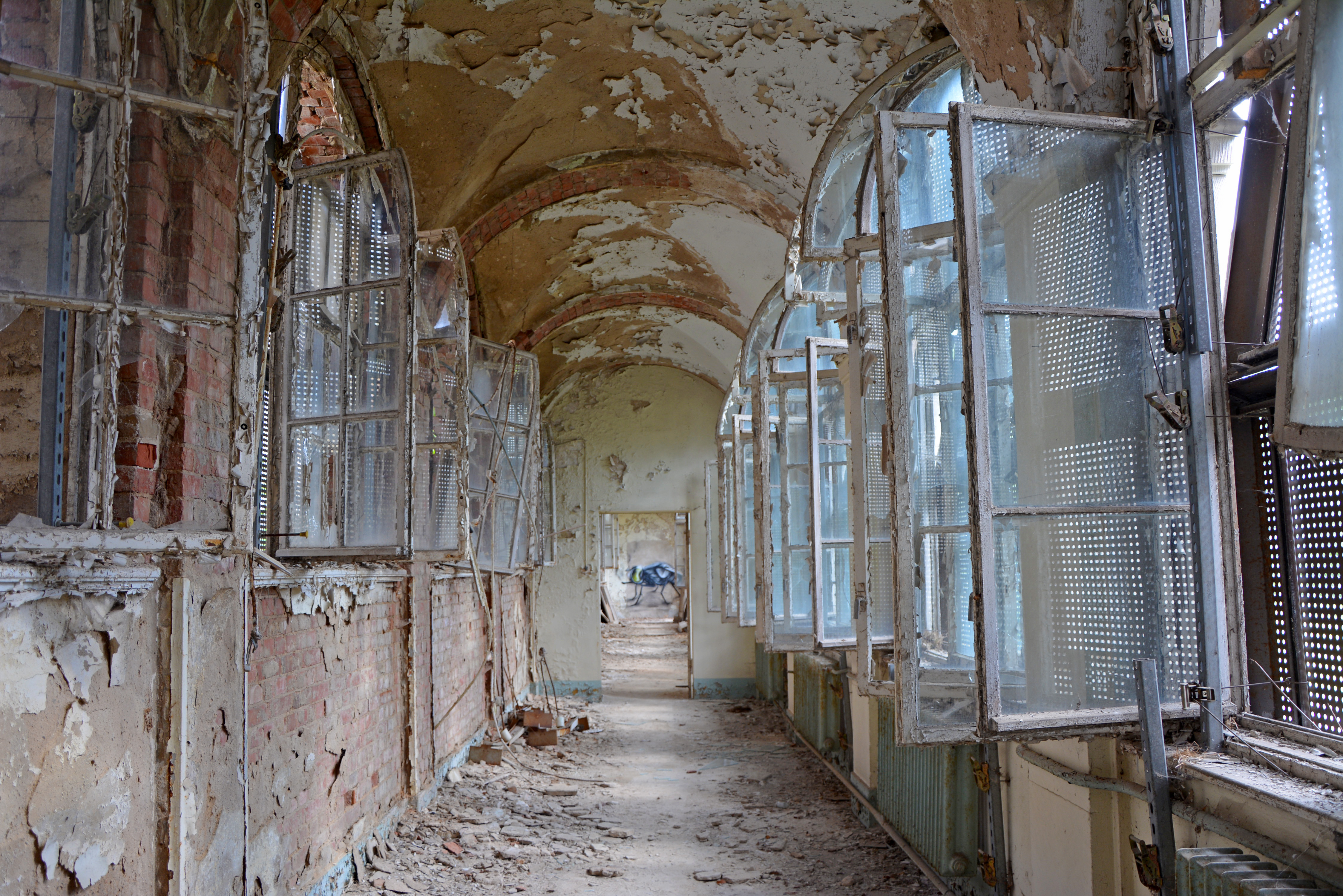 Abandoned Places in Berlin Waldhaus Buch Abandoned Sanatorium Garden Hall Beautiful