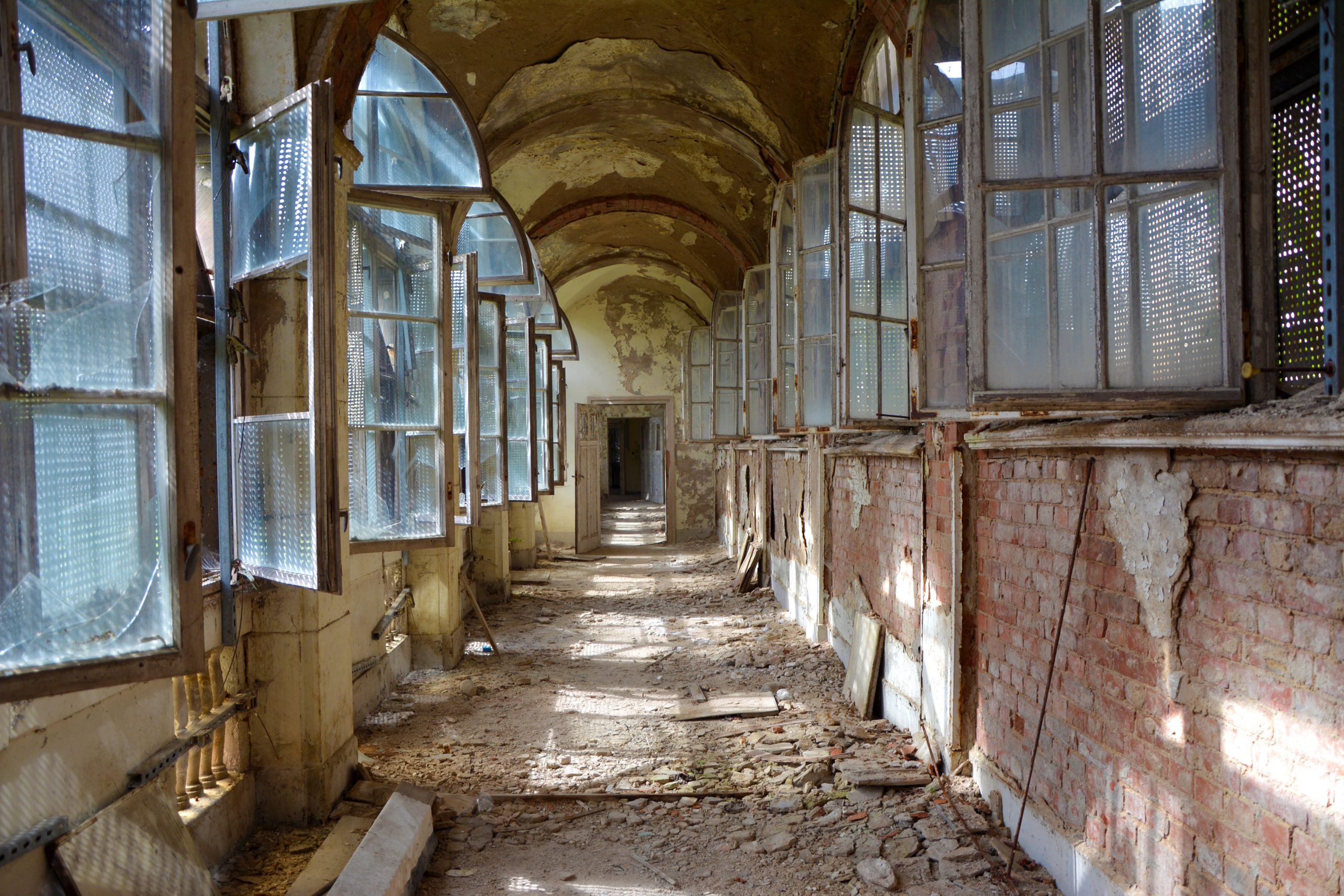 Abandoned Berlin Waldhaus Buch abandoned places