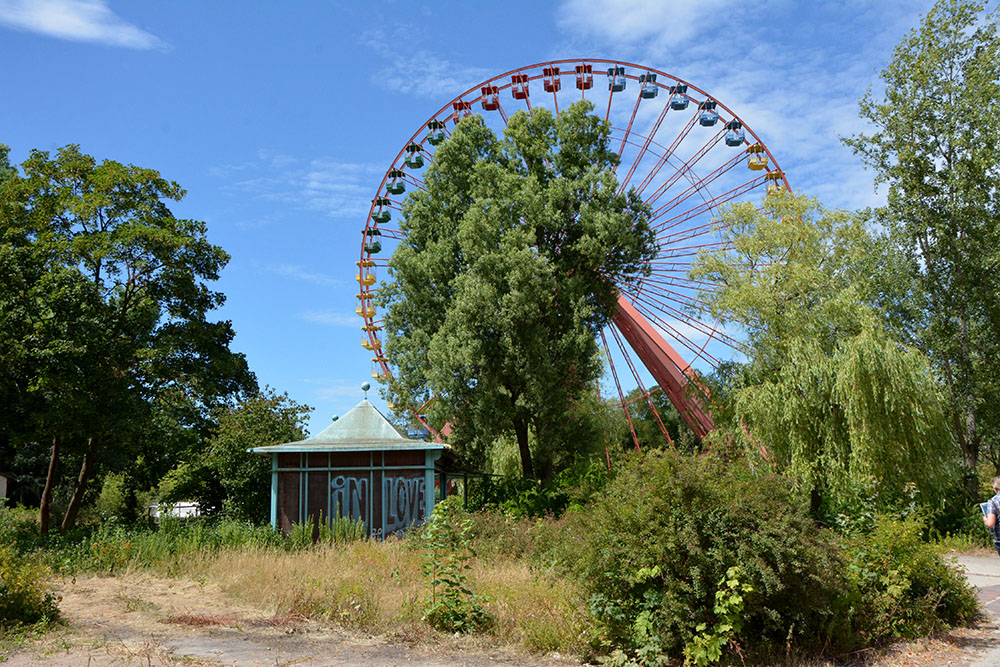 abandoned theme park berlin spree park ferris wheel